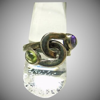 Sterling Silver Twisted Band Ring with Cabochon Amethyst and Peridot
