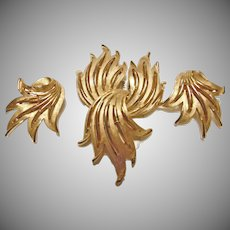 Trifari Brushed Gold Tone Metal Brooch and Earrings