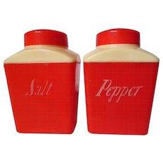 Vintage 1950's Red & Cream Plastic Shaker Set