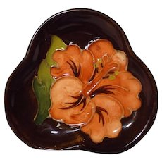 Moorcroft Hibiscus Pattern Clover Leaf Pin Dish