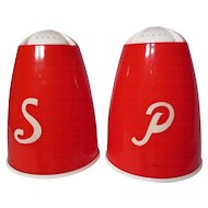 Vintage 1950's Wintrob Plastics Red And White Bullet Range Shakers