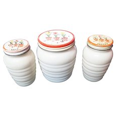 Vintage Fire King Ivory Tulip Lid Ringed Range Set