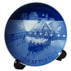 """Bing & Grondahl """"Arrival of Christmas Guests"""" 1969 Christmas Plate"""