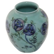 Absolutely beautiful Very Early Moorcroft Tudor Rose Art Pottery Vase