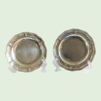 Plateria Mendoza 950/1000 Mexican Silver Plates - a Pair