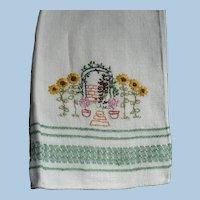 Hand Embroidered Arbor Fingertip Towel