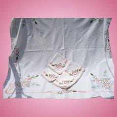 Hand Embroidered Cloth & 4 Napkins