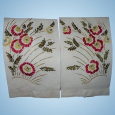 Embroidered Floral Guest Towels