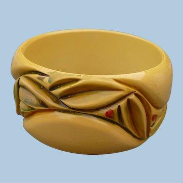 Bakelite Holly Bracelet