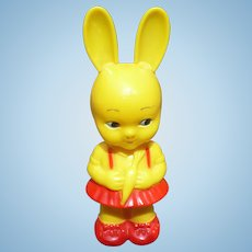 Knickerbocker Plastic Bunny Rattle
