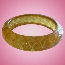 Cross Hatch Applejuice Bakelite Bracelet
