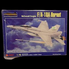 Vintage Zhengdefu McDonnell Douglas F/A-18A 1:72 Hornet Model Kit