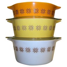 Vintage Pyrex Town & Country Round Casserole Dish Set