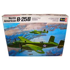 Vintage 1971 Revell North American B-25B Doolittle Bomber Model Kit
