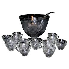 Vintage Indiana Glass Company Pebble Leaf Clear Glass Punch Bowl Set