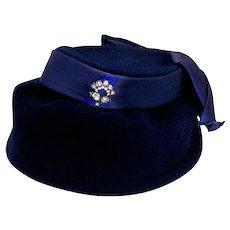 Vintage 1950's Genuine Velour Ladies Cloche Hat