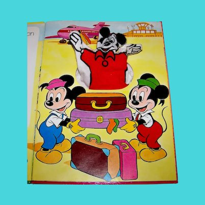 Vintage 1976 Walt Disney Productions Mickey Mouse Children's Puppet Book