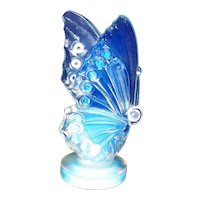 Vintage Post 1935 Small Sabino Opalescent Art Glass Butterfly Figurine
