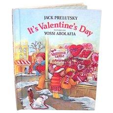 Vintage 1983 First Edition Weekly Reader Hardback Book It's Valentine's Day