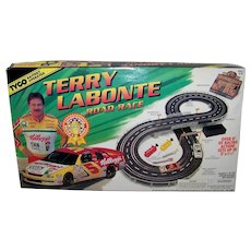Vintage 1996 Tyco Terry Labonte NASCAR Battery Operated Road Race Toy Set