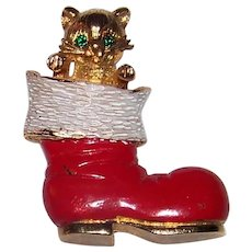 Vintage Mid-Century Mylu Gold Tone & Enameled Holiday Cat In The Christmas Stocking Pinback Brooch