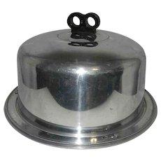 Vintage Mid Century Regal Aluminum Cake Saver-Bakelite Handle EZ-Lock