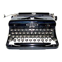 Vintage 1937 Royal Quiet DeLuxe Model O Portable Travel Typewriter