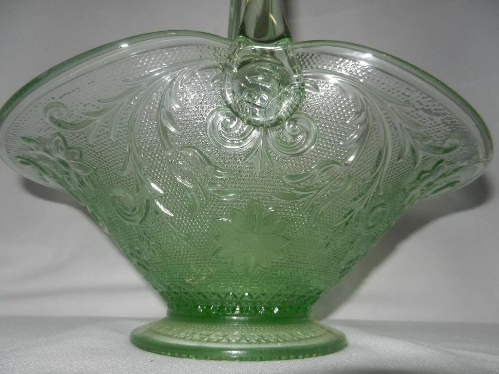 Vintage Tiara Indiana Sandwich Glass Chantilly Green