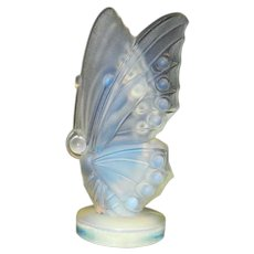 Vintage Sabino Art Glass Opalescent Small Open Winged Butterfly