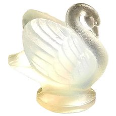 "Vintage Sabino Art Glass Opalescent Small Swan ""Cygne"""