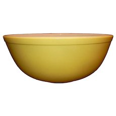 •	Vintage Pyrex Primary Yellow Large 404 Bowl