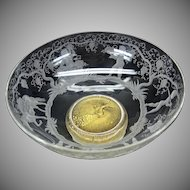 S.A.L.I.R Murano glass engraved bowl with putti making wine