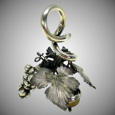Big 19th Century figural silver wine stopper-Bunch of grapes