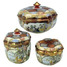 Fine antique Japanese Kutani porcelain 3 piece dresser box set lotus shaped artist signed