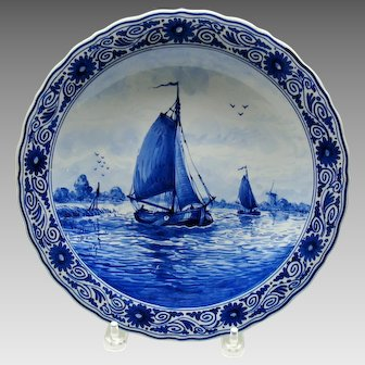 Vintage De Fles Porceleyne Dutch Delft wall plate with sail boat