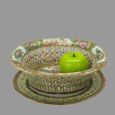Large vintage Chinese porcelain Rose medallion reticulated fruit basket on tray
