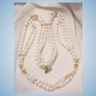Beautiful McKesson Vintage 10k GoldTriple strand Cultured Freshwater pearl Necklace Marked 10k cTo (r)