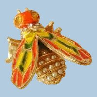 Beautiful large Enameled topaz color rhinestone simulated pearl Bee Brooch marked Art