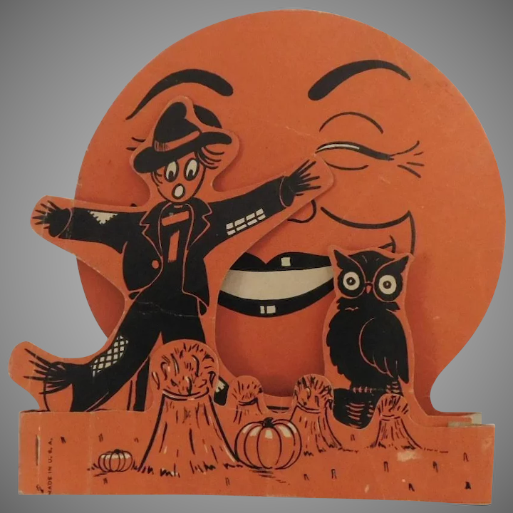 Scarecrow & Owl in front of Harvest Moon 3-D fold out Halloween Decoration Beistle