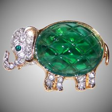 Cute Elephant brooch/pin Emerald Green body & paved set rhinestones Carolee designer