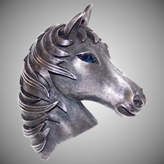 Beautiful Pewter Horse head brooch with sapphire colored eye - Trifari Company 1960's