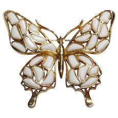 Modern Mosaics series Butterfly brooch white poured glass designed by Alfred Philippe –  Trifari Company 1966