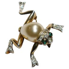 Gold Pave and Pearl Belly Frog brooch – Designer Alfred Philippe Trifari Company 1950s
