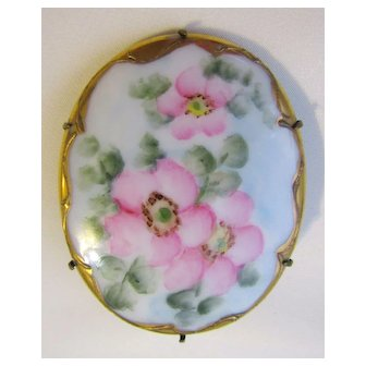 Victorian/Edwardian Style Hand Painted Porcelain Brooch Pin