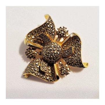 "Vintage ""Vogue"" Swirls Of Ribbons Brooch Pin"