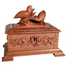 Hand Carved Jewelry Casket Game Birds Black Forest ca. 1900