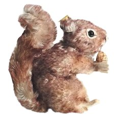 Steiff Squirrel with Pine Cone Perri