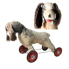 Lovely Old Spaniel on Wheels Pull Toy