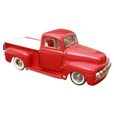 Red Ford F1 Pick Up Truck with Bed Cover Die Cast 1:24 Model Car, Danbury Mint