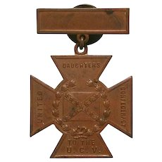 Civil War United Daughters To The Confederacy Southern Cross of Honor Bronze Medal by Whitehead & Hoag Co. Confederate War Veteran